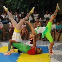 Trio Acrobático; Pipoca, Pipoquinha e Belinha;
