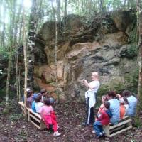 Dia de Agroturismo - educação infantil, diversão e aprendizado. Foto: visita à gruta