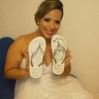 Noiva Graziela com os seu chinelo personalizado