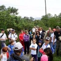 trilha com grupo de crianças de Santo André