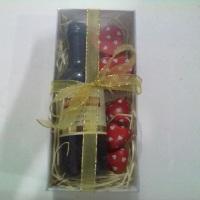 kit com vinho e chocolate