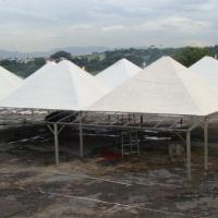 Montagem Tenda 10m x 10m com avance.