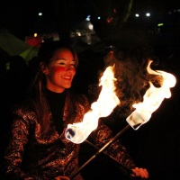 Espetáculo com malabares de fogo / LED