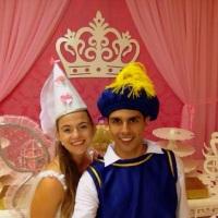 Leve o Príncipe e a Fada e realize uma escola de princesas entre as meninas!