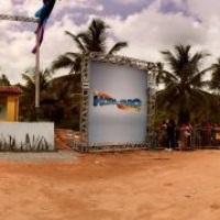 BoxTruss Içado por Guincho e Paineis com Lonas Fixadas RECORDTV PROGRAMA DO FARO