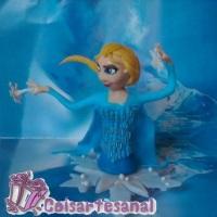 Topo de Bolo em biscuit da Elza do filme Frozen.