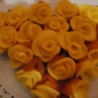 Rosas de leite ninho com damascos.