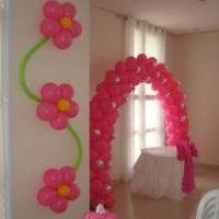 Enfeite para parede/centro de mesa e arco de balões