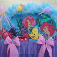 Arco decorado com peixinhos e polvo
