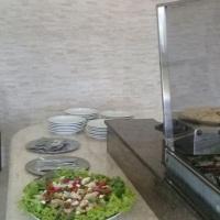 Buffet de Crepe Frances com salada.