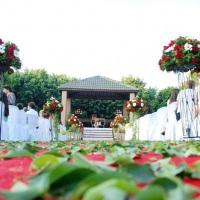 Cerimonial com altar no gramado