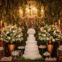 Decoração clássica / arranjos com flores brancas