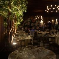 arranjos altos mesa de convidados