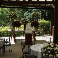 mesa com bolo classico
