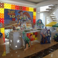 Decoração Clean Toy Store