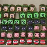 Doces modelados em leite em pó tema MineCraft