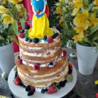 Naked Cake Branca de Neve
