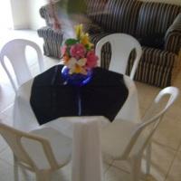 mesa com 4 lg