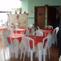 mesas limpas e higienizadas