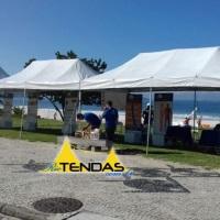Tendas de 6x3 em evento na praia. Acesse nosso site para mais fotos.