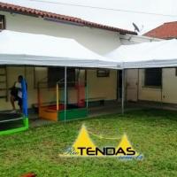 Tendas de 6x3 juntas com pula pula. Acesse nosso site para mais fotos.