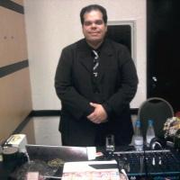 DJ BOLA sempre com repertório eclético, agrada a gregos e troianos !!!