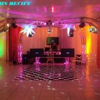 x em grid, 3 TVs Lcd,tapete xadrez e iluminação de dance