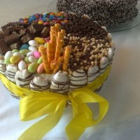 torta com guloseimas de chocolate....especial