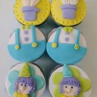 Pao de mel,cupcakes,pirulitos,maca do amor,trufas todos personalizados fazemos todos os temas.