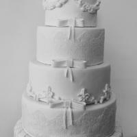 Bolo de casamento,vários modelos para todos os gostos tradicional ou exóticos.Locação ou venda fale