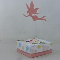 caixinha com fadas voando! encha de doces e presenteie seus convidados. Produzida em papel de alta g