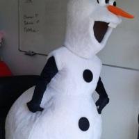 Aluguel e venda de fantasias Olaf Frozen e outras