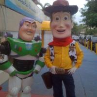 #toystory #buzzlightyear #woodie  #personagensvivos #eshowpersonagensvivos
