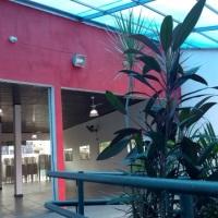 Espaço para 120 pessoas devidamente acomodadas com area de self service, Decoração e Pista de dança