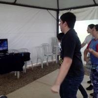 Xbox com kinect - danças, jogos, aventuras e lutas.