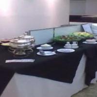 mesas de jantar com toalhas