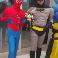 Fantasia do Batman e Homem-Aranha
