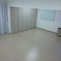 sala vazia para usos diversos