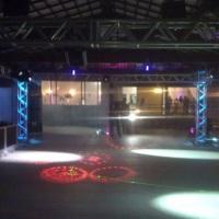 Grid e iluminação de discoteca
