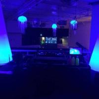Iluminação efeito neon (festa temática)