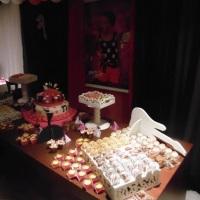 Mesa de festa arrumada com algumas de nossas delícias
