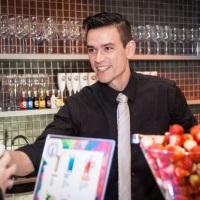 Barman Alex Dumke