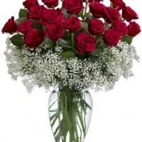 centro de mesa de vaso de vidro com rosas