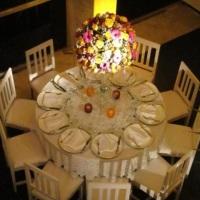 Mesa Splendore e Cadeiras de Madeira