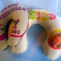 Almofada de pescoco infantil e adulto personalizadas em nylon dublado ou oxford com enchimento manta
