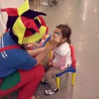 Recreação infantil com pintura facial, escultura de balões, brincadeiras com corda e bola, brincadei