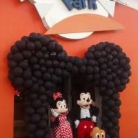 Arco Mickey ou Minney para frente de buffet