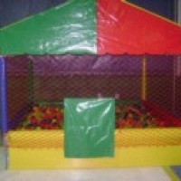 piscina de bolinha 2x2
