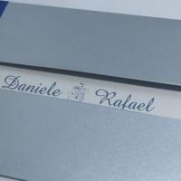 Envelope em prata e miolo em azul royal.