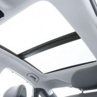 Carro com teto panorâmico 100% de vidro para os noivos tirar a foto no teto para uma linda recordaçã